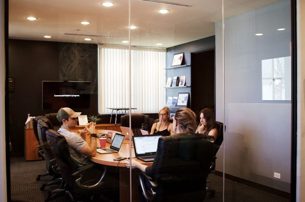 conference-room-meeting